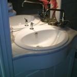 fürdőszoba kőpult