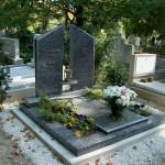 dupla sírkő